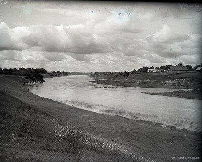 Bauska. Ķirbaksala no Mūsas upes kreisā krasta