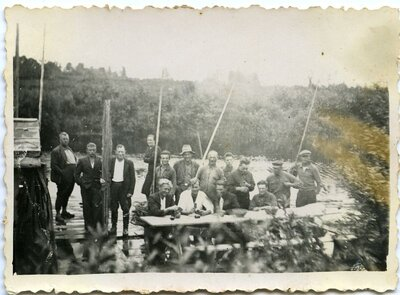 Plostnieki. Kokmateriālu pludināšana Zalvītes upē