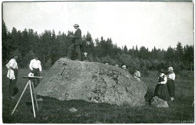 Allažu Černausku akmens