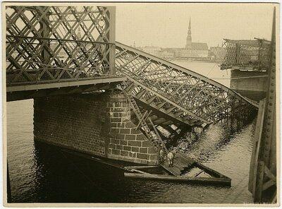 Rīga. Saspridzinātais Dzelzs tilts