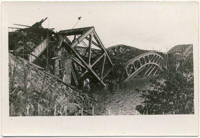 Rīga. Saspridzinātais dzelzceļa tilts