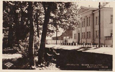 Jēkabpils no Lutera baznīcas dārza