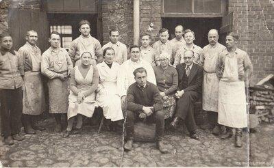 Jēkabpils. Oskara Vildes desu fabrikas kolektīvs