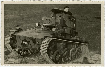 Latvijas armija. Mācības
