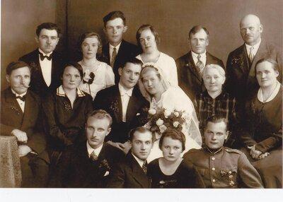 Cīruļu ģimenes kāzas Vallē