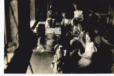 Limbažu cepuru fabrikas strādnieces