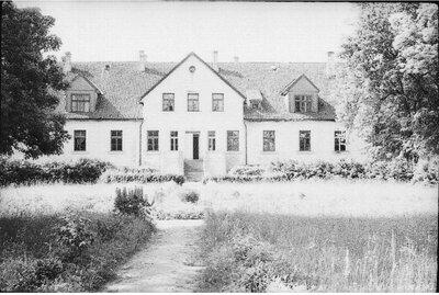 Vatrānes muiža pirms nodedzināšanas ap 1970. gadu