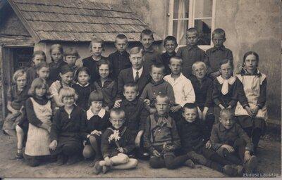Madlienas pagasts. Skolnieki