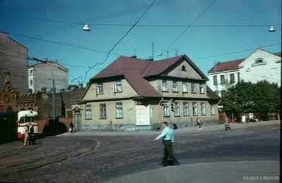 Rīga. Matīsa un Kr. Barona ielu stūris