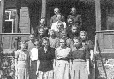 Vietalvas Kaļvencu septiņgadīgās skolas skolēni un skolotāji