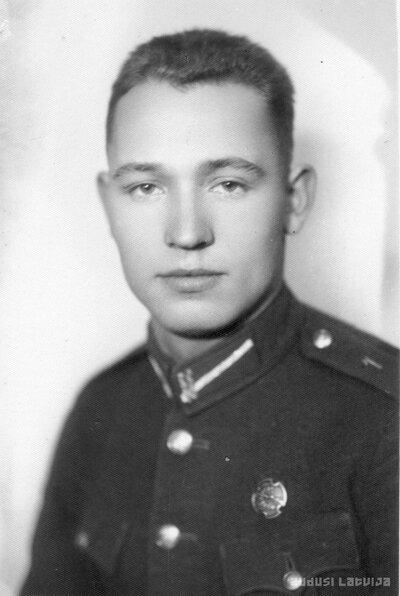 Kaprālis Roberts Grāvītis