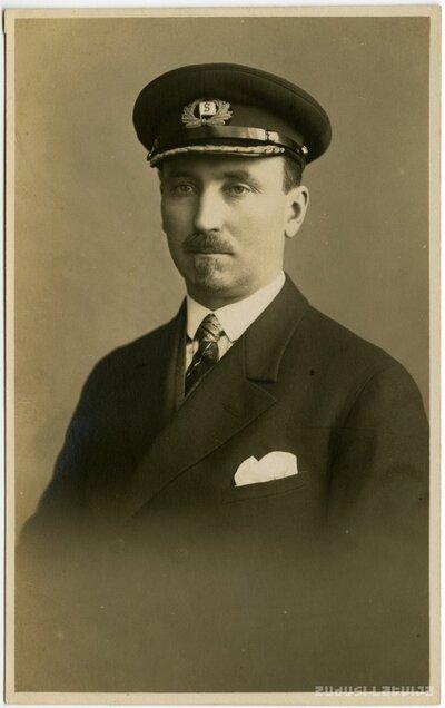 Flotes kapteinis Mālders