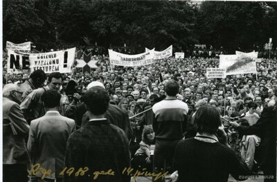 Rīga. Tautas manifestācija