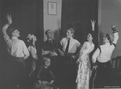 Teātra un horeogrāfijas vidusskolas audzēkņi