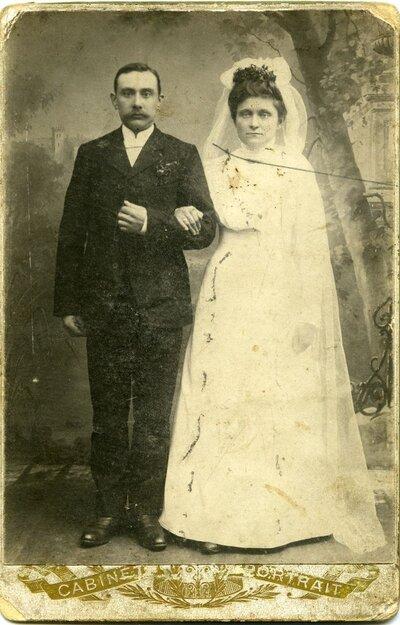 Bauska. Minna un Kārlis Ragovski kāzu dienā