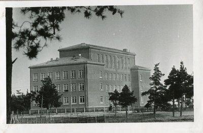 Baložu skola