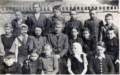 Jaunsvirlaukas skolas skolnieki