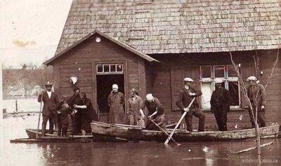 Jēkabpils. Krastiņu mājas Stūra Brēķi plūdos