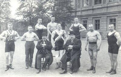 1. Rīgas atlētu kluba biedri