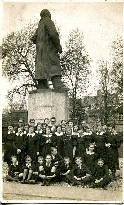 Jelgava. Hercoga Pētera ģimnāzijas skolnieki