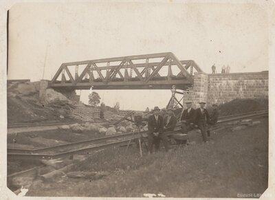 Krustpils - Ventspils dzelzceļa tilts pār Rīgas - Krustpils dzelzceļa līniju