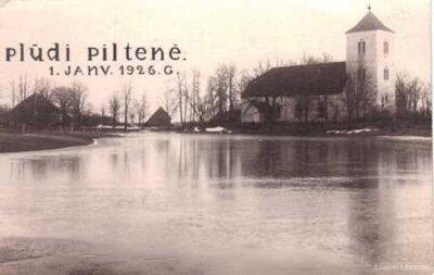 Plūdi Piltenē
