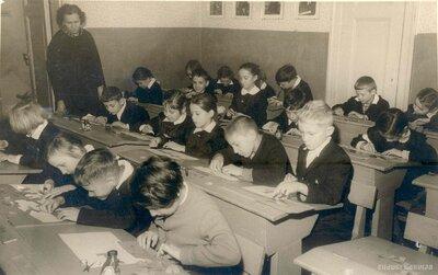 Rīgas 9. astoņgadīgā skola. 2b.klase