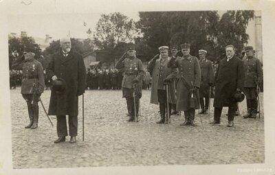 Daugavpils. Prezidents Gustavs Zemgals un Latvijas Armijas virsnieki