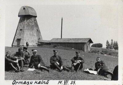 Latvijas armijas karavīri Ormaņkalnā