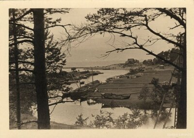 Skultes pagasts. Zvejas laivas jūras krastā