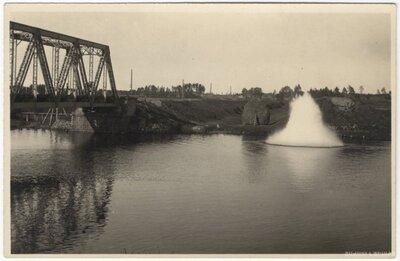 Dzelzceļa tilts pār Juglas kanālu