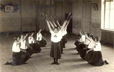 Ventspils. Gaidas Ventspils sieviešu ģimnāzijā