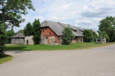 Tāšu - Padures muižas saimniecības ēka