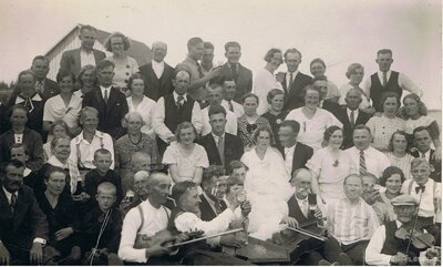 Veriņa Šīmane un Roberts Jānis Strazdiņš kāzu dienā