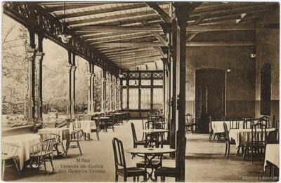 Jelgavas Amatnieku biedrības veranda ar restorānu