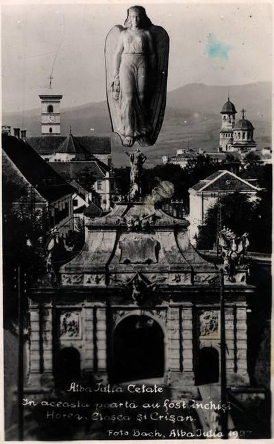 ba Iulia Cetate [material iconografic] : În această poartă au fost închişi Horea, Cloşca şi Crişan