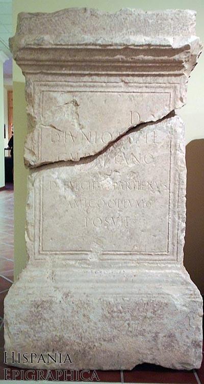 Honra de D. Iunius D. f. Gal. Iulianus
