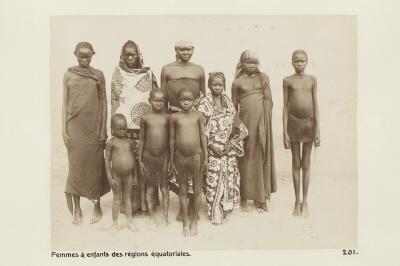 Fotografi. Kvinnor och barn från ekvatorialregionerna.