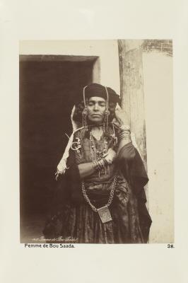 Fotografi. Kvinna från Bou-Saada, Algeriet.