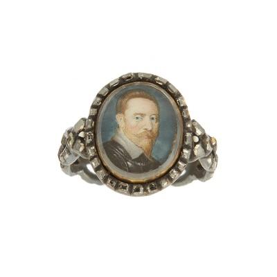 Silverring med miniatyrporträtt av konung Gustav II Adolf.