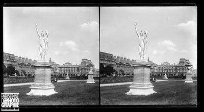 Statue dans le jardin des Tuileries.