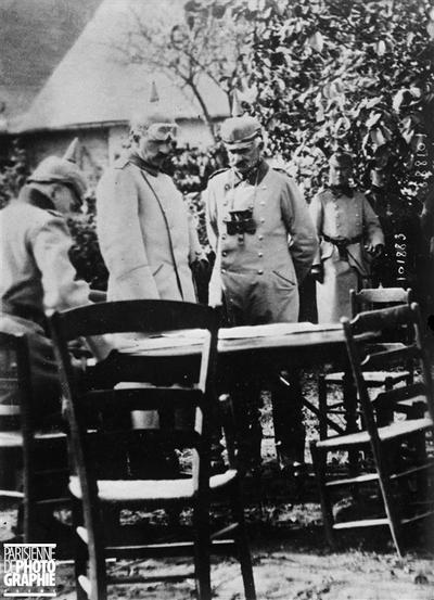 Guillaume II sur le front français. 1915.