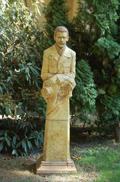 Gyula, Erdő Kamill szobra