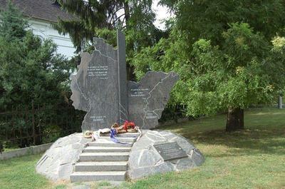 Mezőberény, Mezőberényi német kitelepítettek emlékműve