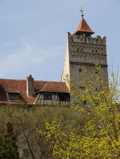 Aussenansicht der Törzburg (oder Schloss Bran) in Siebenbürgen, bei Brasov. 1377 erbaut, heute Museum. Durch den früheren Burgherren Vlad Tepes (Fürst Dracula) weltbekannt, Rumänien, April 2007