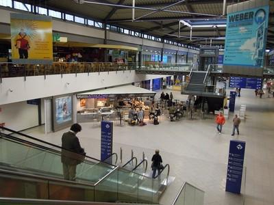 Abflughalle des Airports Leipzig-Halle