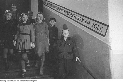 Dresden. 38. POS Alfred Thiele (38. Grundschule), u.a. Theater, 1948
