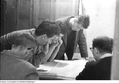 Arbeiter- und Bauerninspektion (ABI), Kontrolle der Schulspeisung, Kontrolle der Backwaren des Bäckermeisters Löffler, Kontrolle in der Fleischerei und im Blumengeschäft auf der Otto-Buchwitz-Straße in Dresden, u.a., 1964 / Februar 1967