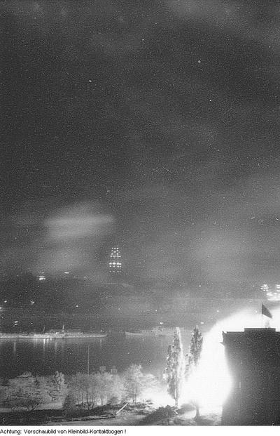 1. Mai (Internationaler Kampf- und Feiertag der Werktätigen), Dresden, Feuerwerk, 1. Mai 1965