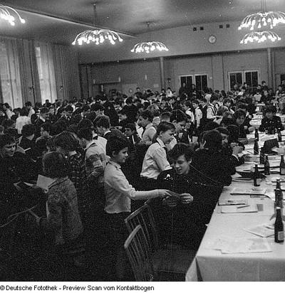 Freie Deutsche Jugend (FDJ) Jugendprobleme; IV. / IX. Stadtdelegierten Konferenz FDJ